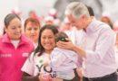Entrega Alfredo del Mazo Maza tarjetas rosas en la Zona de los Volcanes